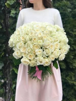 Букет 101 белая роза Аваланч - заказ и доставка цветов Киев