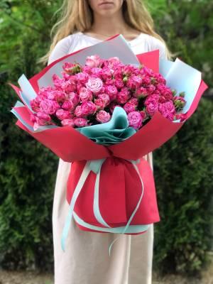 Букет 51 троянда спрей малинова - заказ и доставка цветов Киев