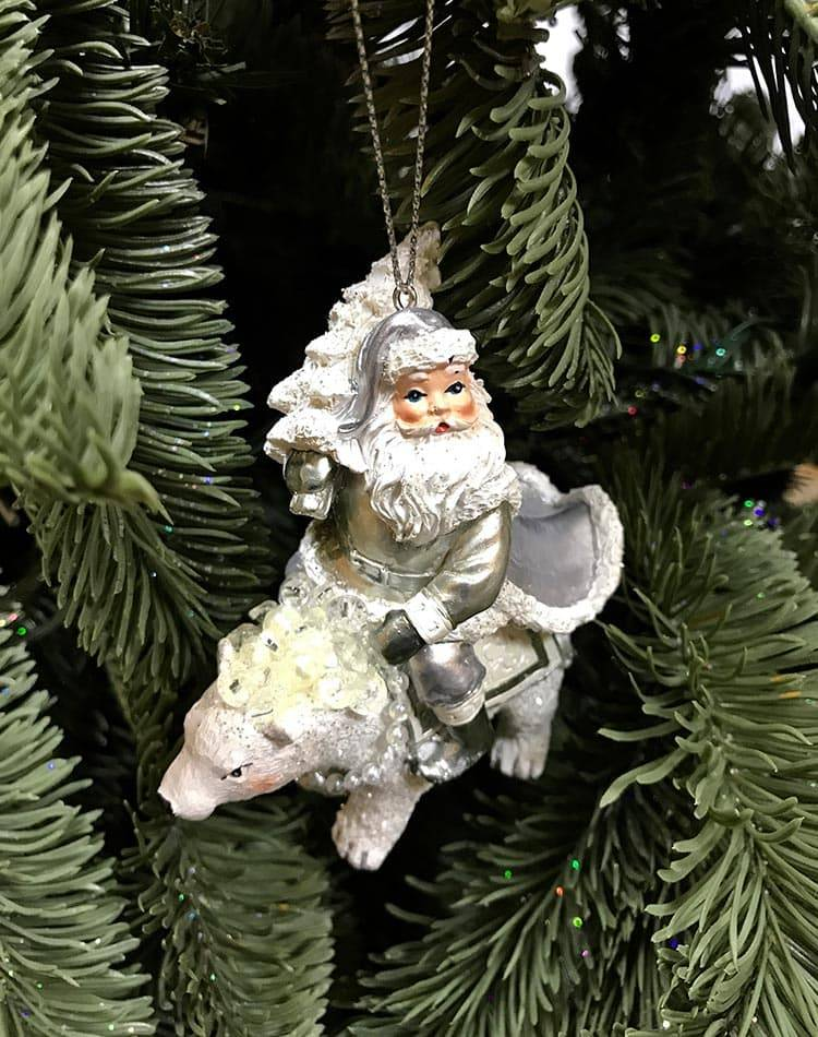 Новогодняя игрушка Санта на медведе, белый/серебро, 9 см