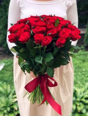 Букет 51 красная роза - заказ и доставка цветов Киев