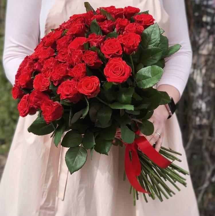 Букет 51 красная роза Эль Торо