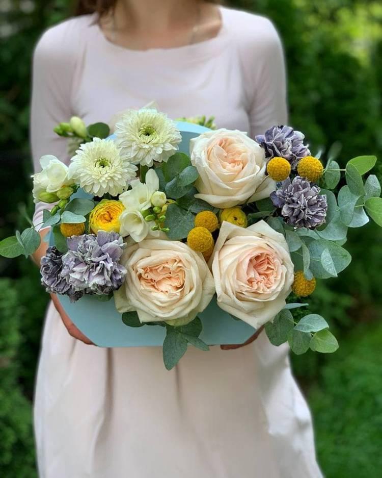 """Цветы в коробке """"Истинное счастье"""""""