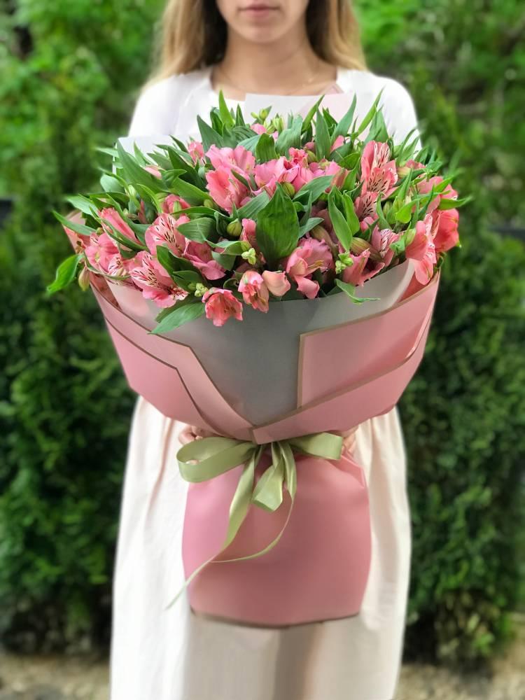 Букет 25 розовых альстромерий