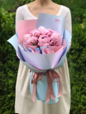 Букет 9 розовых пионов - заказ и доставка цветов Киев
