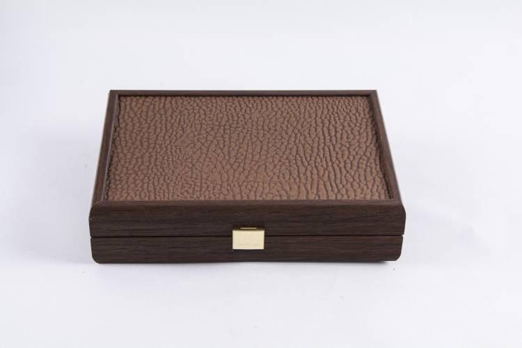 Домино 5,2х2,7х1см в деревянном футляре, искусственная кожа цвета карамели