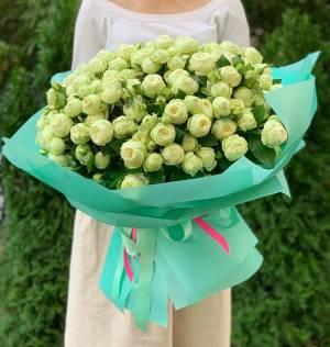 Букет 31 роза спрей белая