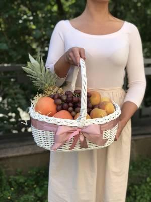 Фрукты в корзине №1 - заказ и доставка цветов Киев