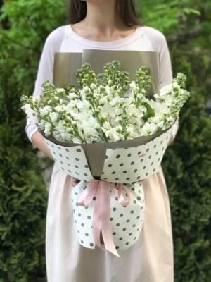 Букет 35 белых маттиол - заказ и доставка цветов Киев