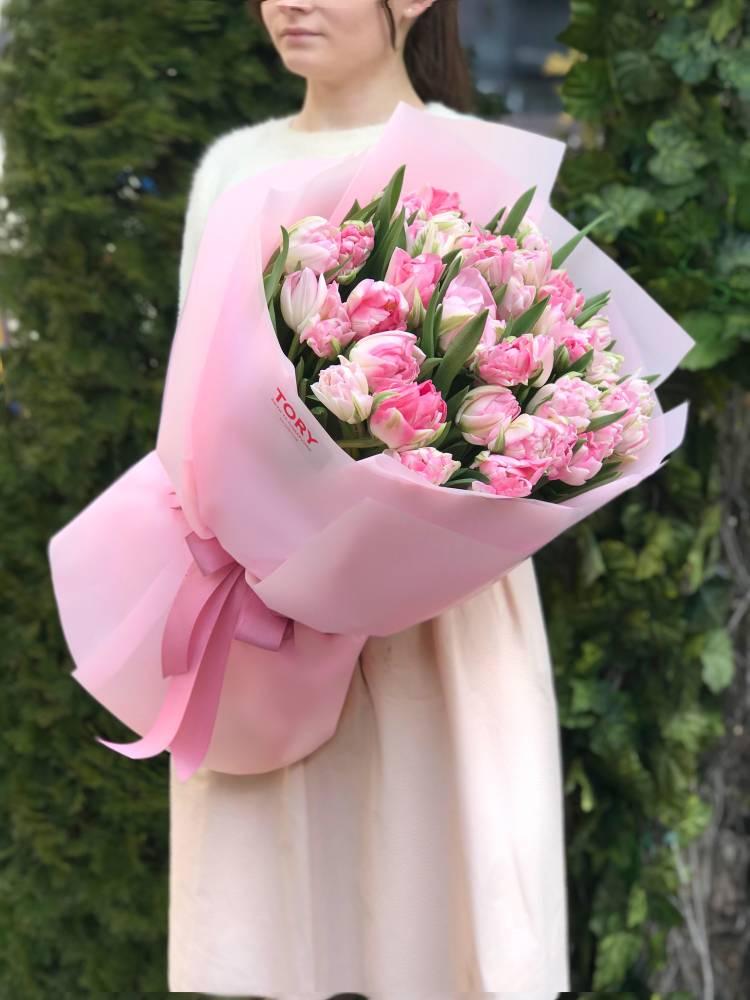 Букет 51 рожевий піоновідние тюльпан