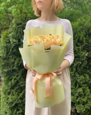 Букет 15 персиковых роз - заказ и доставка цветов Киев