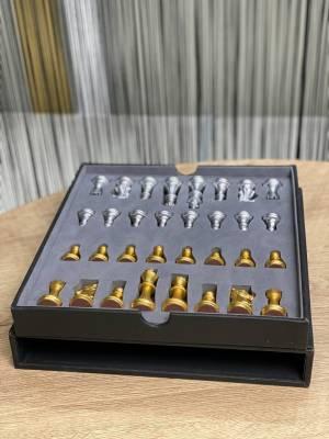 Шахматы в подарочной кожаной коробке - заказ и доставка цветов Киев