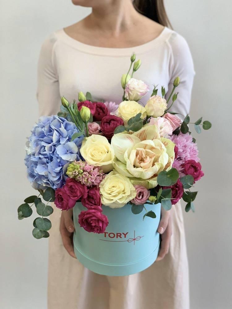 """Цветы в шляпной коробке """"Ягодный пунш"""""""