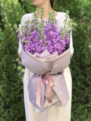 Букет 21 лиловая маттиола - заказ и доставка цветов Киев