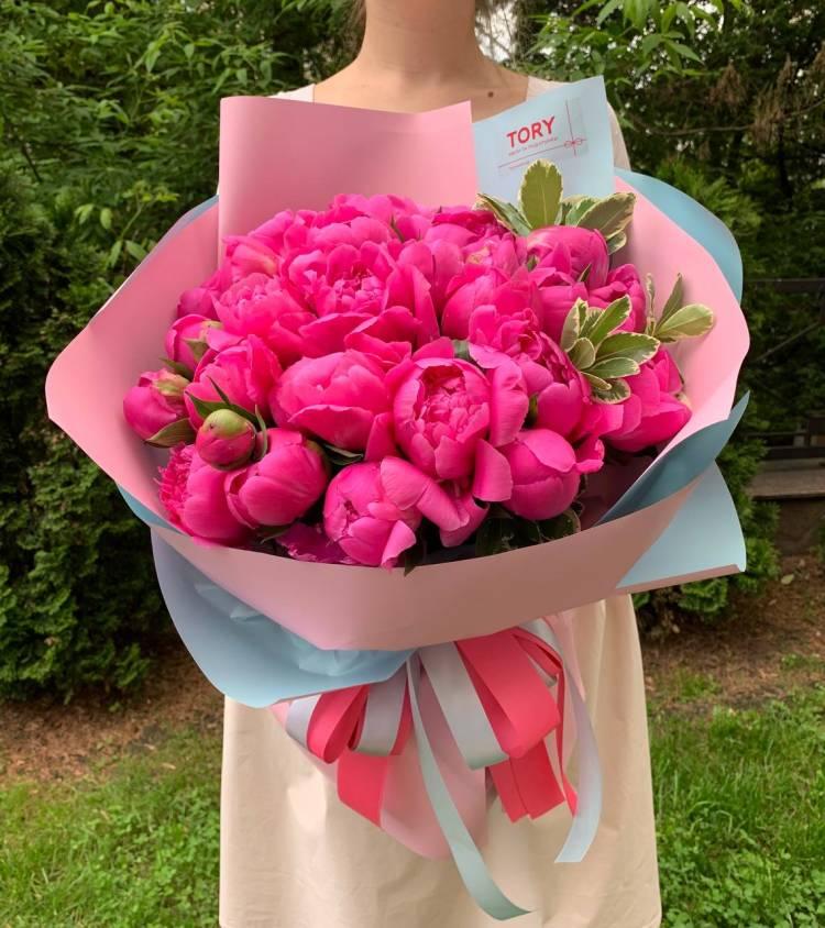 Букет 31 розовый пион