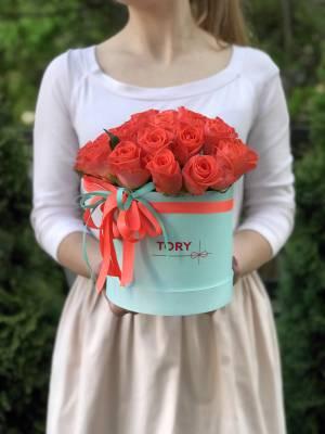 25 коралловых роз в коробке - заказ и доставка цветов Киев