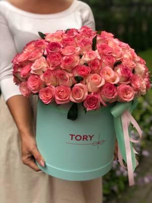 101 роза Джумилия в шляпной коробке - заказ и доставка цветов Киев