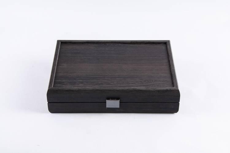 Домино 5.2x2.7x1см в черном футляре копия дерева