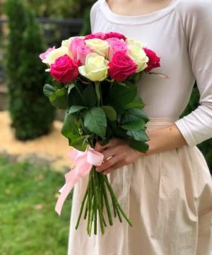Букет 21 роза микс - заказ и доставка цветов Киев
