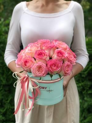 21 роза Джумилия в шляпной коробке - заказ и доставка цветов Киев
