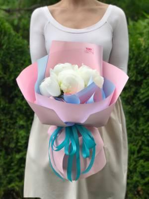 Букет 5 белых пионов - заказ и доставка цветов Киев