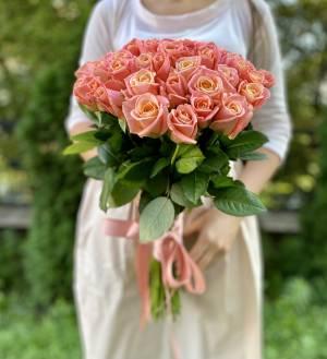 Букет 51 янтарная роза в ленте - заказ и доставка цветов Киев