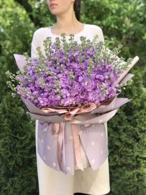 Букет 51 лиловая маттиола - заказ и доставка цветов Киев