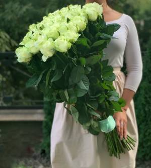 Букет 51 белая роза Премиум, 80 см - заказ и доставка цветов Киев