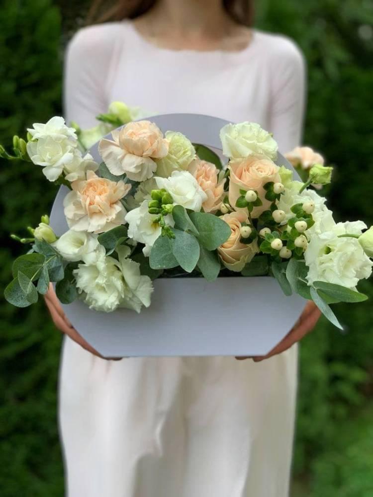 """Цветы в коробке """"Счастье от любви"""""""