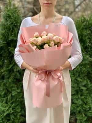Букет 7 роз спрей кремовых - заказ и доставка цветов Киев