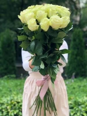 Букет 21 белая импортная роза, 80 см - заказ и доставка цветов Киев