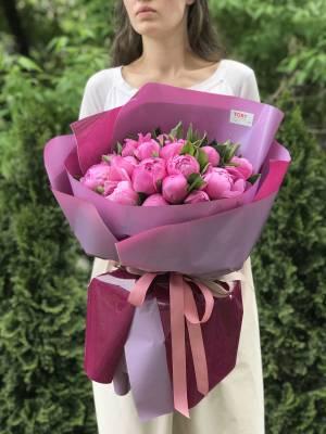 Букет 21 пион маджента - заказ и доставка цветов Киев