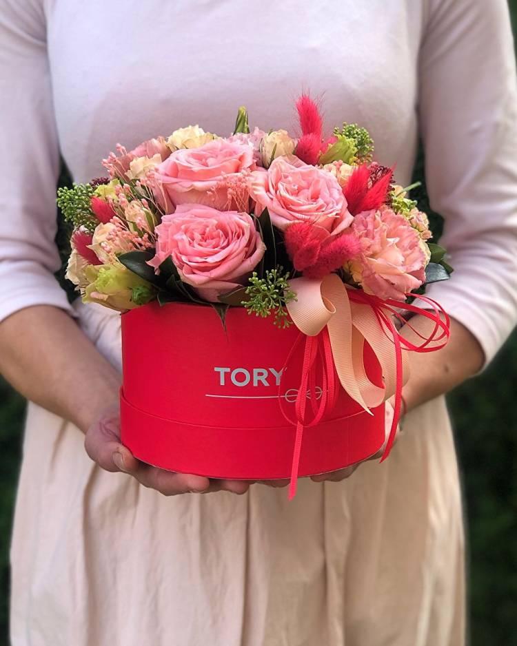 """Flowers in a Hat box """"Secret"""""""