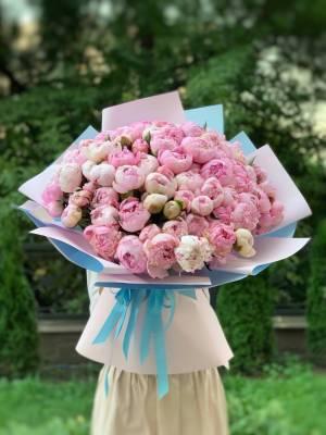 Букет 101 розовый пион - заказ и доставка цветов Киев