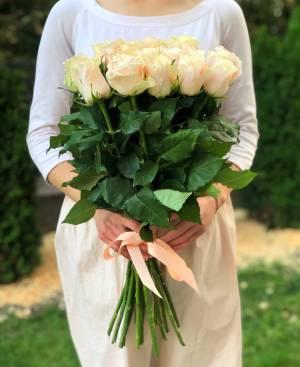 Bouquet 21 cream imported roses, 60cm - заказ и доставка цветов Киев