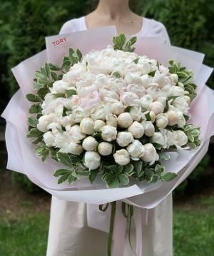 Букет 101 Белый пион - заказ и доставка цветов Киев