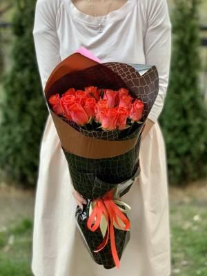 Букет 15 коралловых роз - заказ и доставка цветов Киев