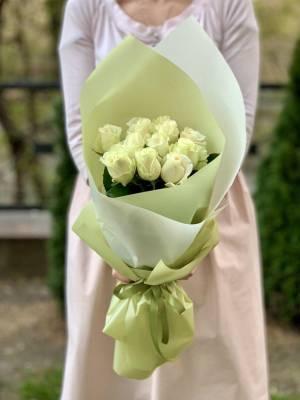 Букет 11 белых роз - заказ и доставка цветов Киев