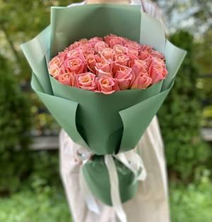БУКЕТ 35 ЯНТАРНЫХ РОЗ В УПАКОВКЕ - заказ и доставка цветов Киев
