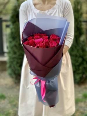 Букет 15 малиновых роз - заказ и доставка цветов Киев