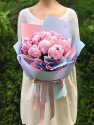 Букет 15 розовых пионов - заказ и доставка цветов Киев