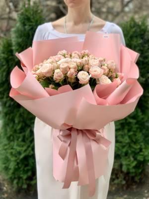 Букет 31 роза спрей кремовая - заказ и доставка цветов Киев