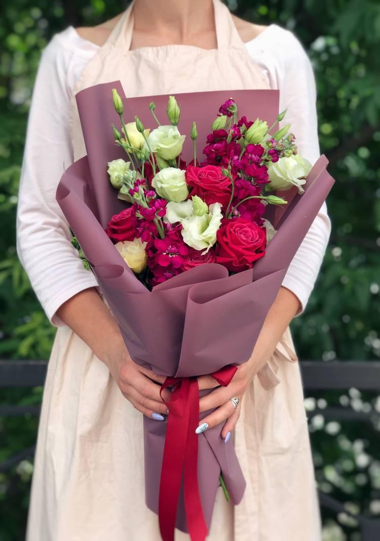 "Bouquet ""Raspberry Flavor"""