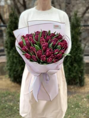 Букет 35 фиолетовых пионовидных тюльпанов - заказ и доставка цветов Киев