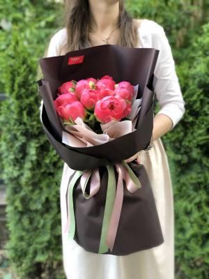Букет 11 коралловых пионов - заказ и доставка цветов Киев