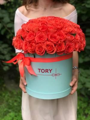 101 коралловая роза в шляпной коробке - заказ и доставка цветов Киев