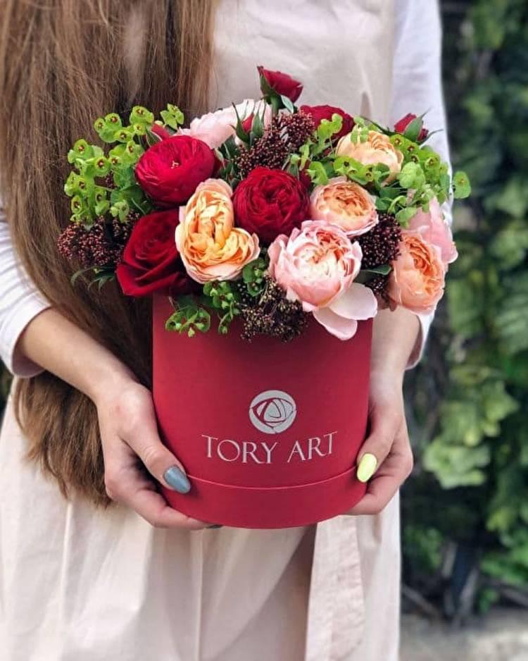 """Цветы в коробке """"Восхищение"""""""