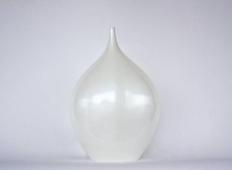 Декор в форме бутылки белый 43 см, 1 шт