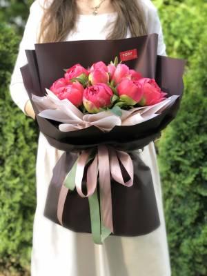 Букет 15 коралловых пионов - заказ и доставка цветов Киев