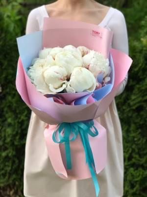 Букет 9 белых пионов - заказ и доставка цветов Киев