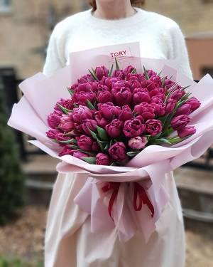 Букет 51 фиолетовый пионовидный тюльпан - заказ и доставка цветов Киев
